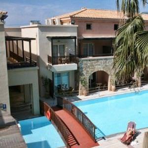 Grand Leoniki Residence