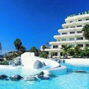 La Pinta Beach Club